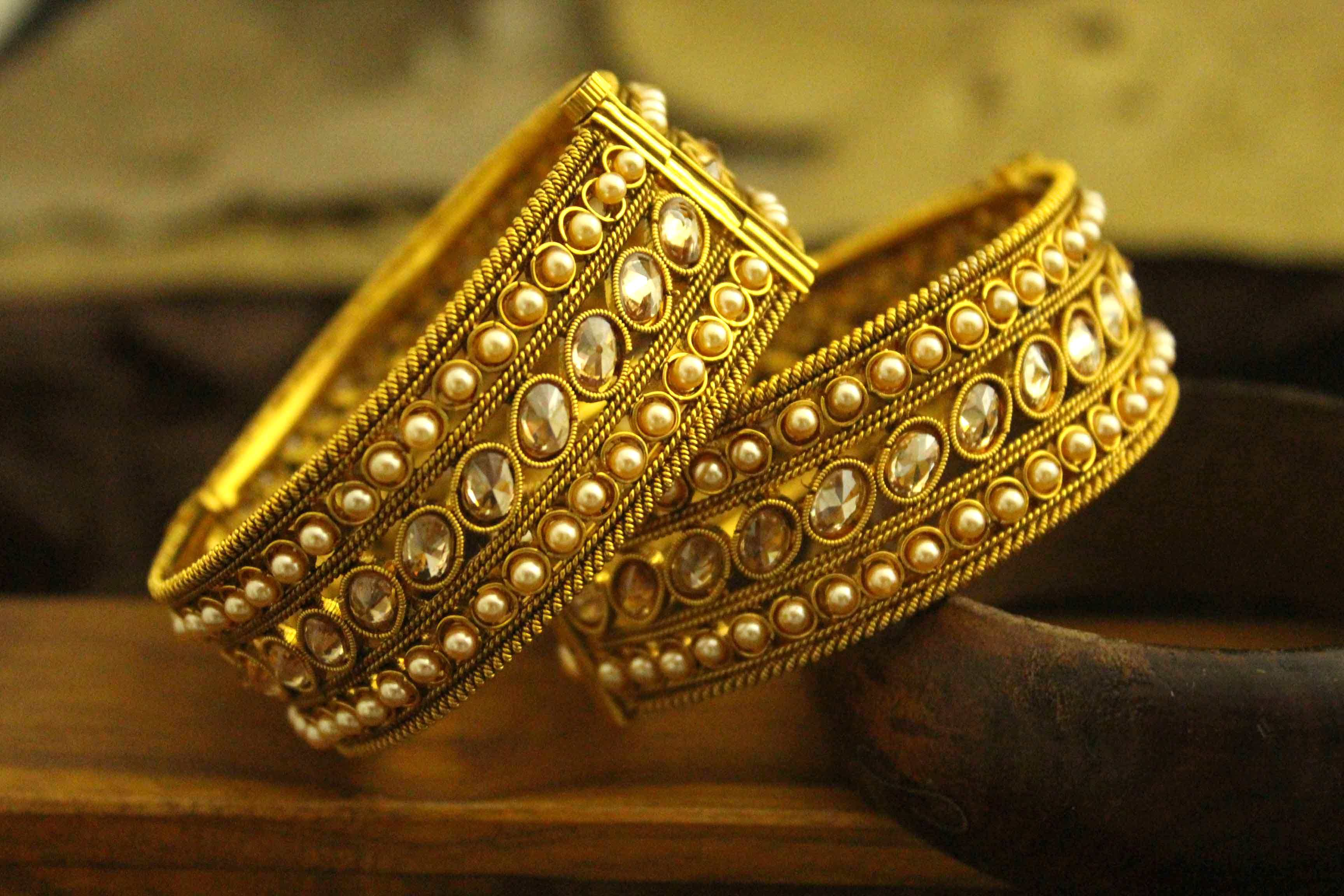 jewellery gold indian designer jewelery gemnjewelery elegant royal jadau bangles